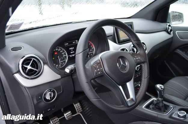 Mercedes Classe B interni