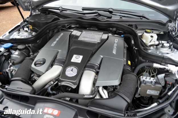 Mercedes E63 AMG S Motore