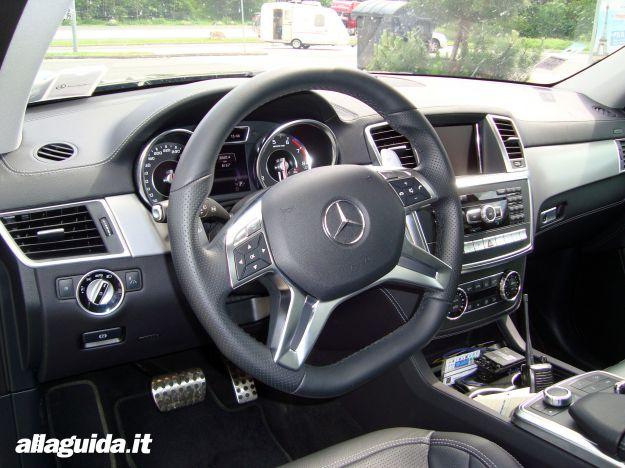 Mercedes GL 63 AMG 4Matic Performance interni