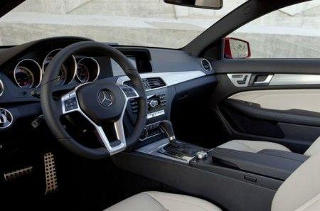Mercedes classe c sfuggita interni