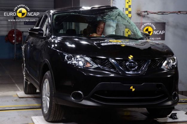 Nissan Qashqai 2015 Crash Test