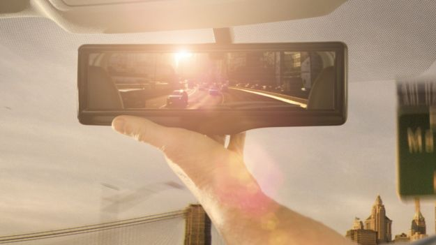 Nissan Smart Rearview Mirror foto