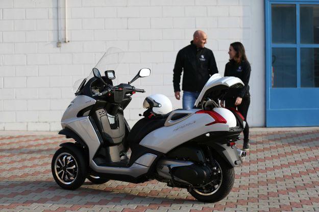 Novità Peugeot al Motor Bike Expo 2015 Metropolis GT Connect
