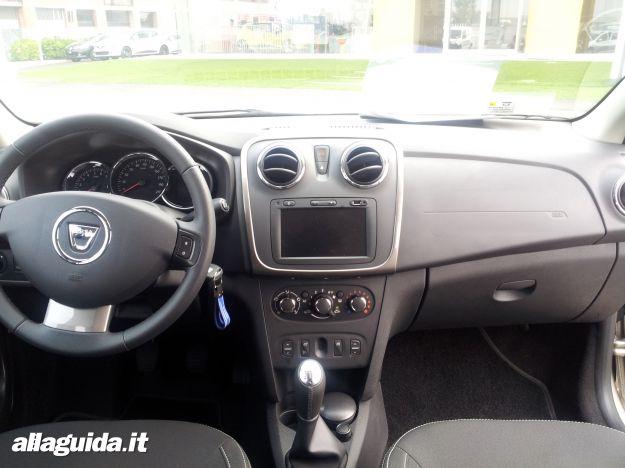Nuova Dacia Logan MCV, interni e plancia