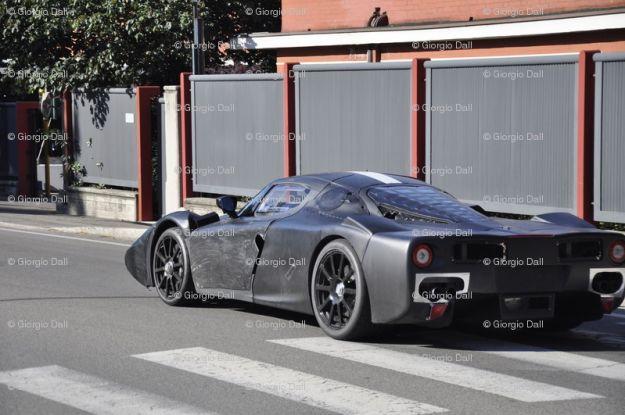 Nuova Ferrari Enzo 2013, foto spia Ferrari F70 (6)
