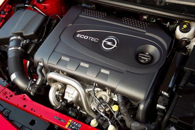 Opel Astra 2013 motore