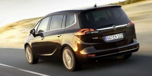 Opel Zafira Tourer 004_14_turbo_gpl_posteriore