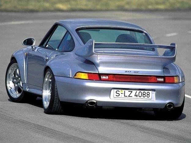 Porche 993 GT2 vista da dietro