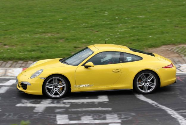 Porsche 911 Carrera 4S, fiancata