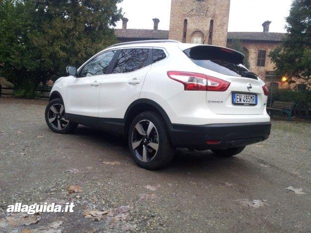 Prova su strada  Nissan Qashqai 2015