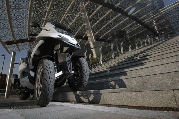 Quadro S 350cc, tre ruote