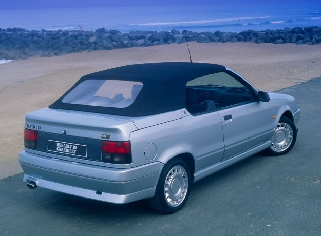 Renault 19_Convertible_16S_1991_1600x1200_wallpaper_02