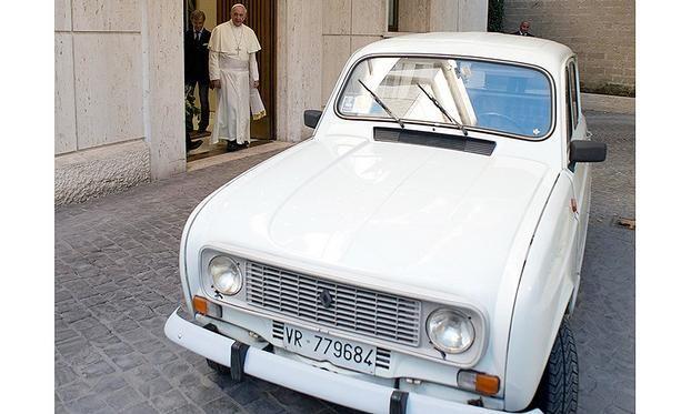 Renault R4 Papa Francesco
