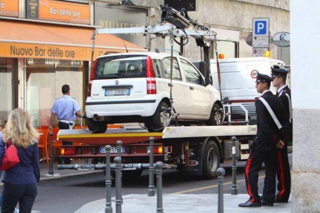 PAPA Milano rimossi veicoli in sosta lungo il percorso 01062012
