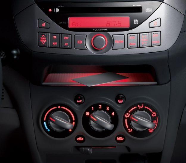 Suzuki Alto 1.0 VVT console