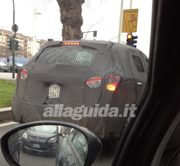 Suzuki SX4, foto spia posteriore