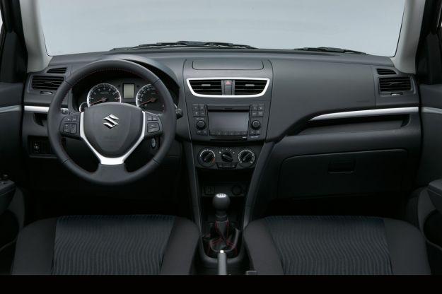 Suzuki Swift Style S interni