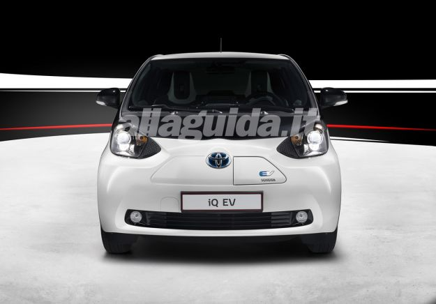 Toyota iQ EV-frontale