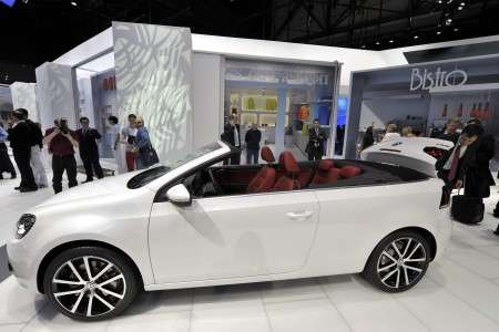 Volkswagen Golf Cabrio bianca ginevra 2011