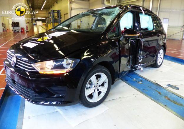 Volkswagen Golf Sportsvan 2015 Crash Test