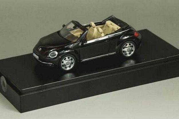 Volkswagen Maggiolino Cabrio 2013 (1)