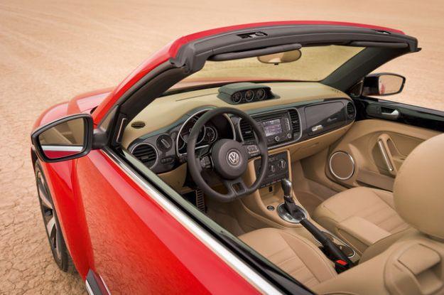 Volkswagen Maggiolino Cabrio dentro