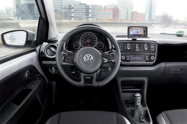 Volkswagen Up! cambio automatico ASG plancia