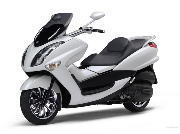 Yamaha Majesty 1