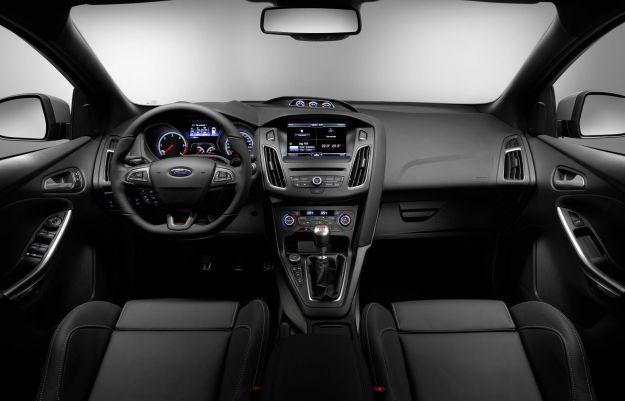 abitacolo e interni Ford Focus ST 2015