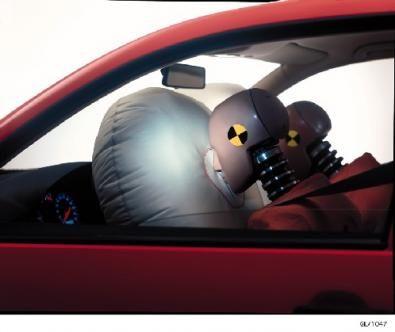 L'airbag, la sua esplosione non è del tutto immune da rischi