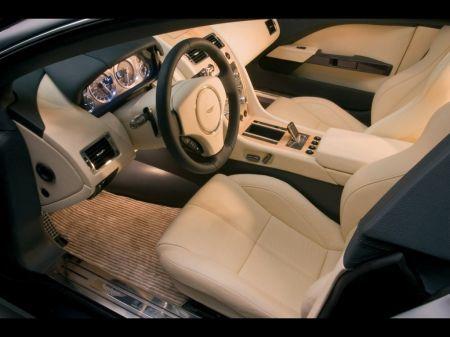 Aston Martin Rapide, interni