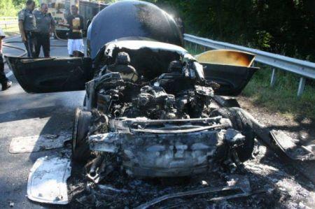 Audi R8 in fiamme