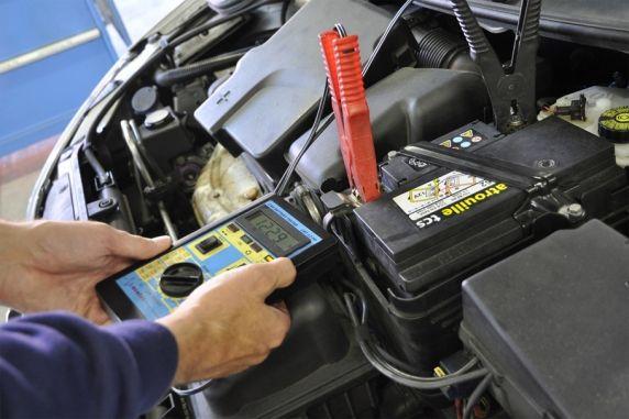 batterie auto inverno carica