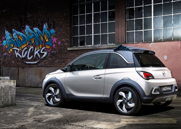fiancata Opel Adam Rocks