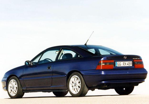 Opel Calibra posteriore