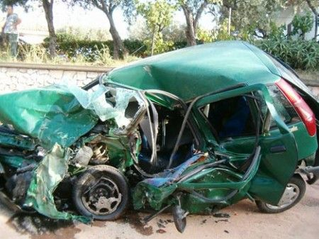 incidente stradale mortale punto distrutta