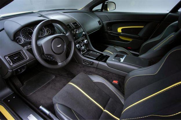 interni Aston Martin V12 Vantage S