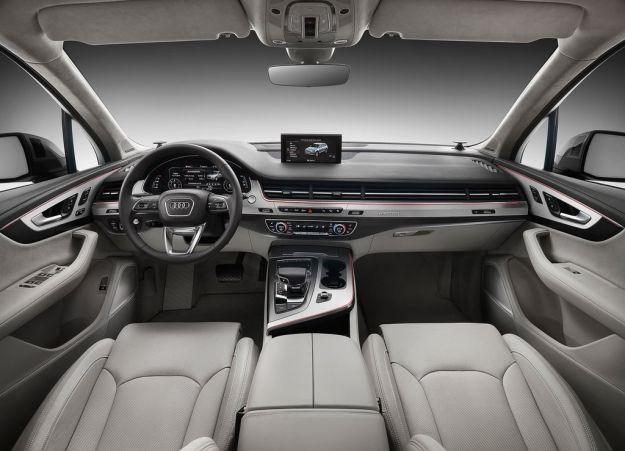 interni Audi Q7 2015