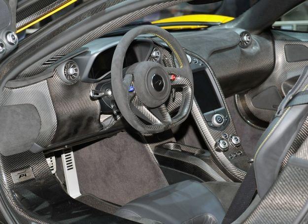 interni McLaren P1