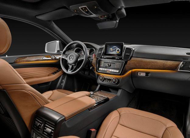 interni Mercedes GLE Coupe