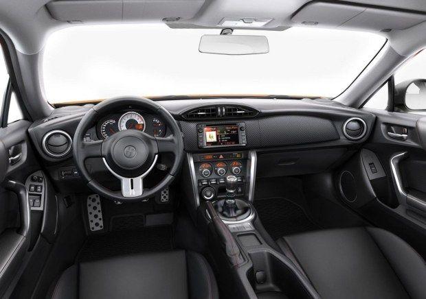 interni Toyota GT86 MY 2015