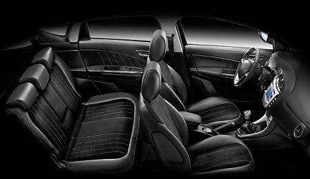 Lancia Delta Hard Black - gli interni