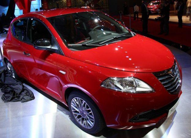 lancia ypsilon black&red motori prezzi