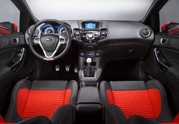 Ford Fiesta ST-interni