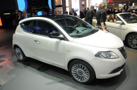 nuova lancia ypsilon auto 2011