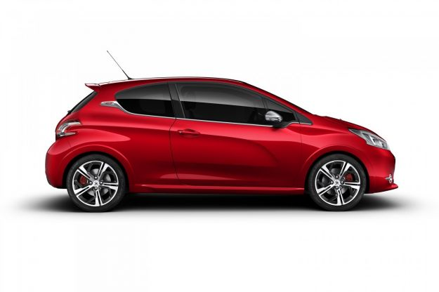 peugeot 208 gti rossa laterale