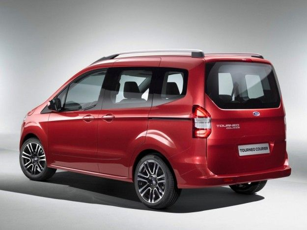 posteriore del Ford Tourneo Courier