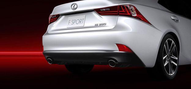 scarichi Lexus IS hybrid 2013