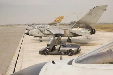 La sfida Fra la Lamborghini Reventon e un Tornado