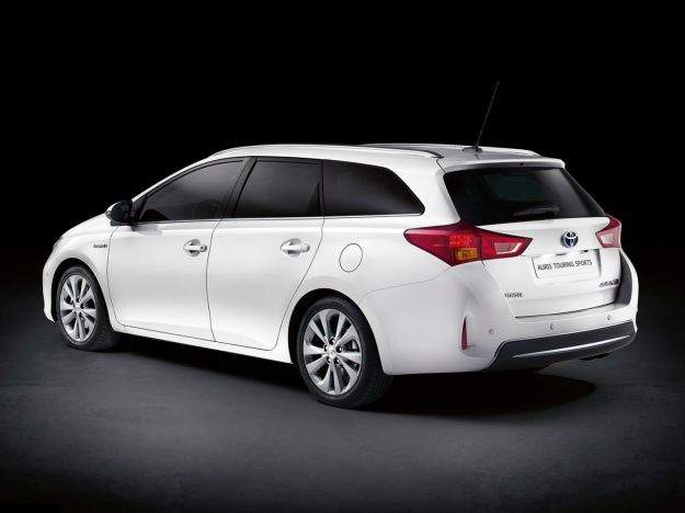 toyota auris touring sports laterale posteriore sinistra